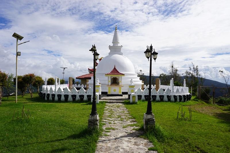 Pagoda on top of the hill by Gregory Lake, Nuwara Eliya, Sri Lanka