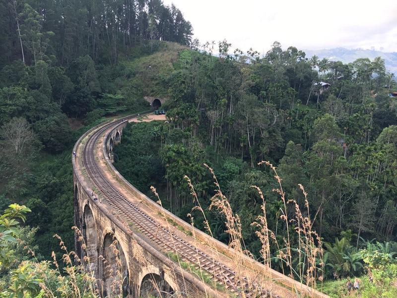 Blue Sky and Wine Travel Blog, Nine Arch Bridge, Ella Sri Lanka