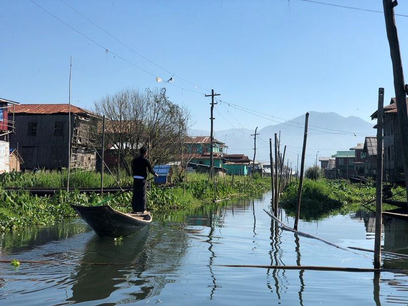 D8 - Inle boat trip 38