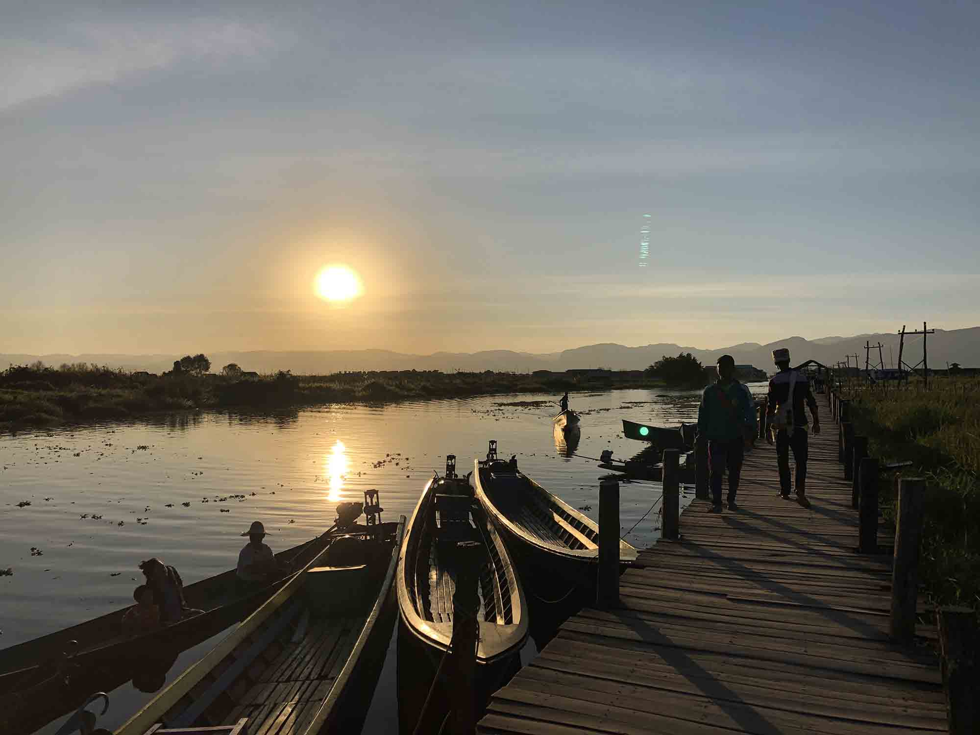Explore Inle Lake by bike or boat?
