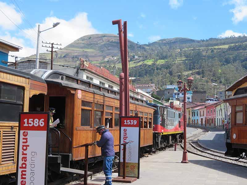 Ecuador alausi devils nose train station, Blue Sky and Wine Travel Blog