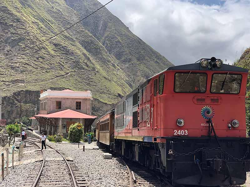 Ecuador alausi train to sibambe, Blue Sky and Wine Travel Blog